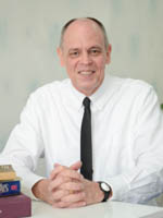 อาจารย์ Kenneth Ray Wingate :